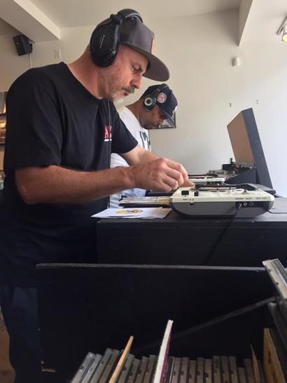 Vinyl-ritchie-scratch