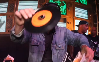 vinyl-ritchie-45-tour-video-thumb-2015
